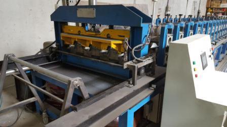 فروش یک دستگاه رول فرمینگ ورق عرشه فولادی سقف ساختمان �